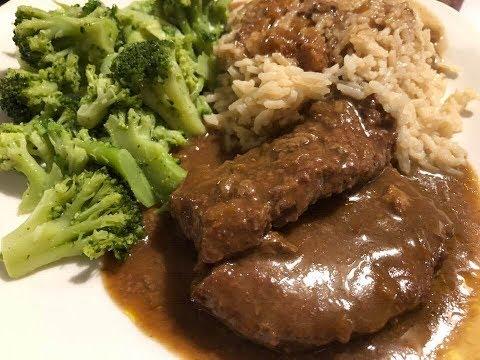 Cubed Steak & Gravy Crockpot Recipe | Southern Sassy Mama