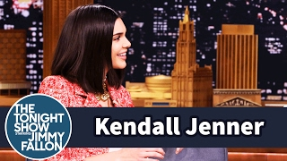 Kendall Jenner Blocks Out Her Family on the Runway