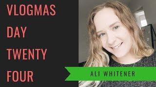Volunteer Gift Wrapping | Vlogmas Day Twenty Four