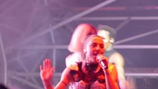 Baixar Melanie C ~ High Heels feat. Sink The Pink ~ live at Dreamland Margate ~ 4k UHD