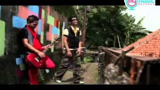 Qiu 9 - Siang Malam (Music Video) by My Music