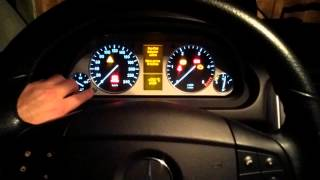 Jak zresetować RUN FLAT INDICATOR Mercedes B klasa