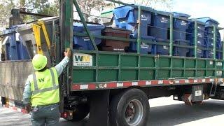 Waste Management Freightliner FL70 Container Truck 630314