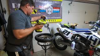 Фото How To Change Pitbike Tires Or 50cc