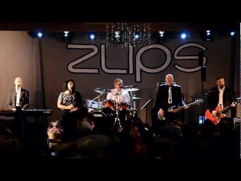 2011-12-17 Zlips - Hon har öppet mellan fem och fem