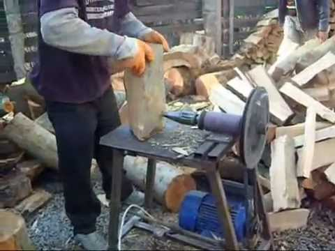 Masina de crepat lemne