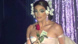 Valentina Asi Fue Showgirls!