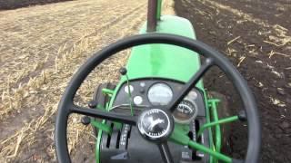 John Deere 4020 plowing