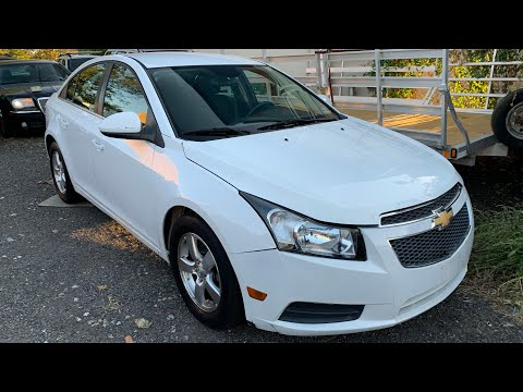 2012 Chevy Cruze LT ECOTEC - Startup - Review - In Depth Tour