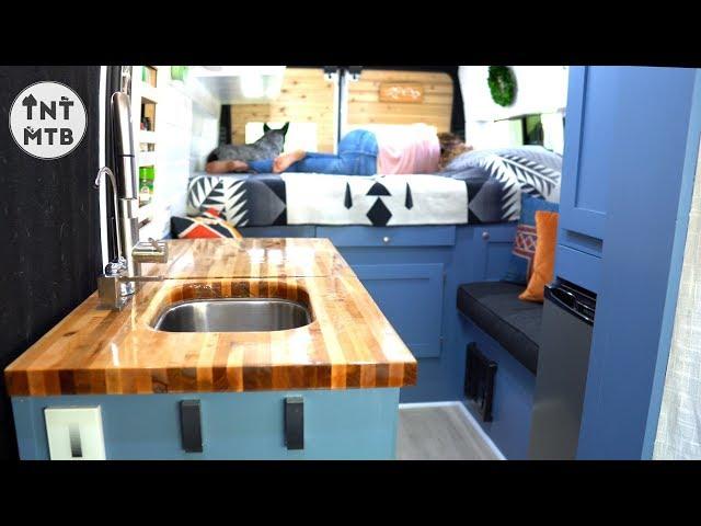 Experienced Van Builder Creates Masterpiece (4k) | Van tour