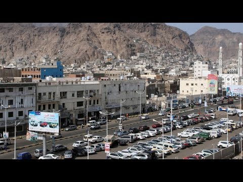 Separatists clash with government forces in Yemen's Aden