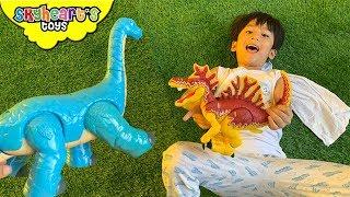 Skyheart DINOSAUR FIGHT! Blue Brachiosaurus Spinosaurus box dinosaurs for kids toys
