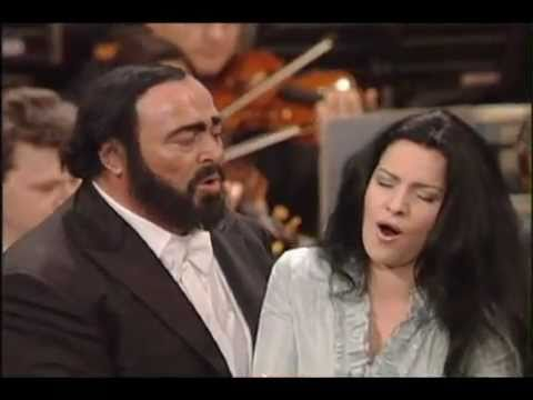 Angela Gheorghiu - Angela, we love you! Gala - Message from Alice&Nicoletta  Pavarotti.avi - YouTube