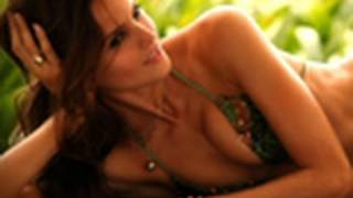 Izabel Goulart: What's In My Bag   Sports Illustrated Swimsuit