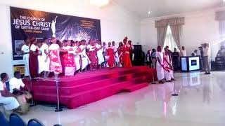 BENIN DANCE AND THEIR KING AND QUEEN
