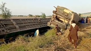 video: At least 40 killed and dozens injured after two trains collide in Pakistan