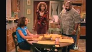 Mais que uma Família (Like Family) - Episódio 3 - O toque de recolher - Parte 1 de 2