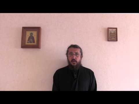 Как правильно кресница или крестница
