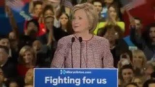 Le problème du manteau Armani à 11.000 euros de Hillary Clinton