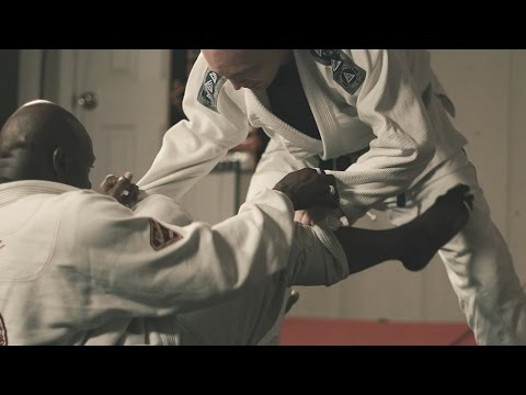 How this guy learned martial arts by taking a course online
