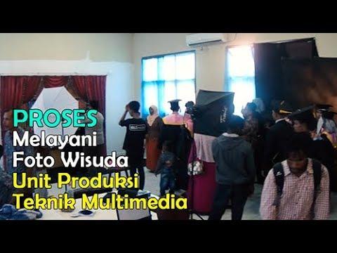 Proses Pelayanan Foto Wisuda - Studio Foto Teknik Multimedia SMK Negeri 3 Merauke
