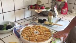 How to dry bananas, and make a healthy anti oxidant ,all natural , organic ,packed snack!