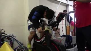 電動の加圧機械のMCTを使ってwattebikeでダッシュした動画です。 腕と脚...