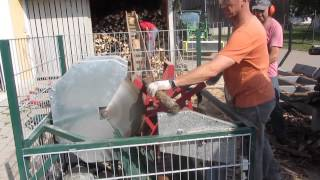 Repeat youtube video Brennholz - Doppelsäge(Eigenbau)