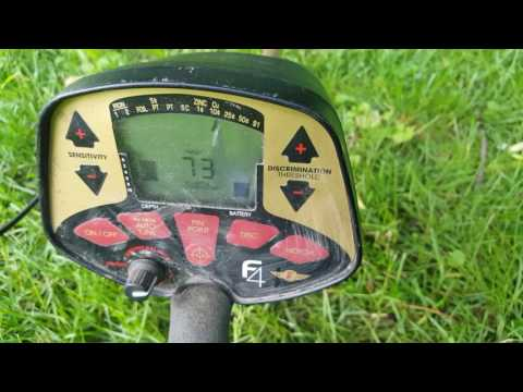 METAL DETECTING TOYS AND COINS IN TORONTO PARKS / GOT SILVERS, ORANGES & GREENS