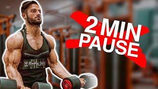LANGE vs KURZE Pausen im Training für OPTIMALEN Muskelaufbau!