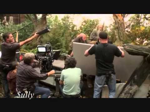 THE HOBBIT - Behind The Scenes With Directors Sir Peter Jack