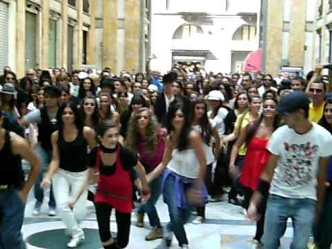 Flash Mob Nazionale Michael Jackson - Napoli 4 ott...