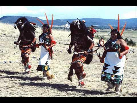 Hopi Buffalo Dance at Kykotsmovi 2009 part 1 Doovi