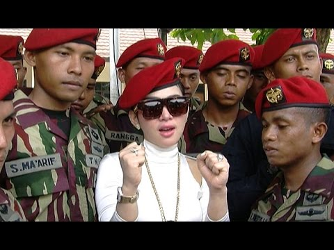 Syahrini Ajak Kopassus 'Maju Mundur Cantik' - Hot Shot 25 Oktober 2014