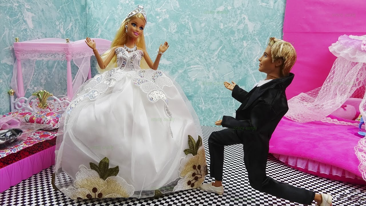 Princess Doll Wedding Day Trying On Wedding Dresses - Playing with ...