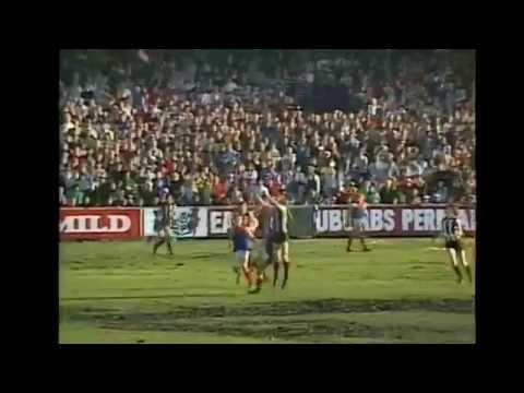 Fabulous Phil Carmen kicks 11 goals @ Moorabbin in his white boots  wwwcollingwoodfootytourcom