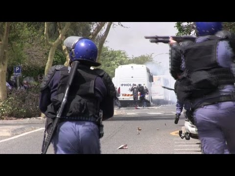 S.Africa students, police clash in bitter campus battle