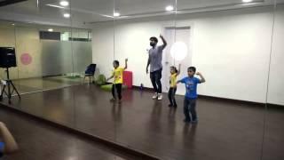 Choreographer -  Harshal Pillay - Kids lungi dance