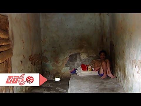 Người cha khốn khổ nhịn ăn nuôi 2 con điên dại | VTC