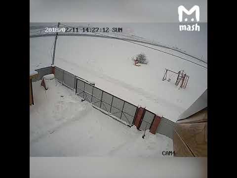 крушение самолета Москва-Орск, видео с камеры наблюдения