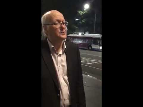 City Of Sydney Council Ranger Asks A Street Musician To Stop Busking On A Friday Night At 7:40pm!!!