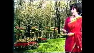 Padmaja Phenany Joglekar sings Mazya Matiche Gayan Poem by Kusumagraj