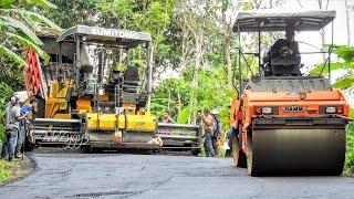Asphalt Paver Sumitomo HA60C Dump Truck and Sprayer Working
