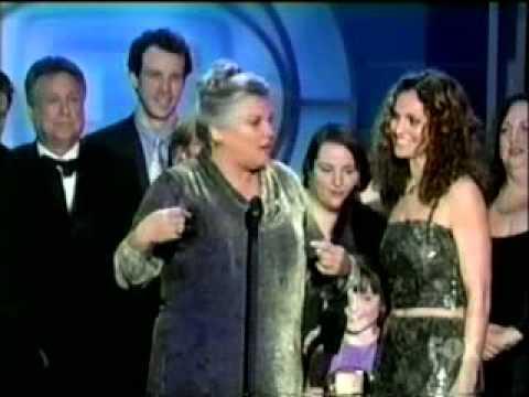 Judging Amy wins TV Guide Award 2000