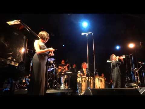 Pink Martini U Plavu Zoru Live mp3