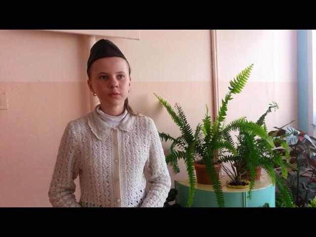 Изображение предпросмотра прочтения – ВикторияГалкина читает произведение «Майор привез мальчишку на лафете» К.М.Симонова