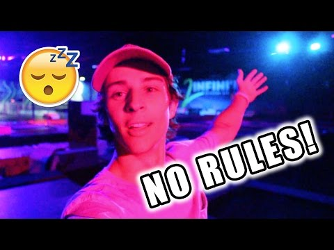 BEST OVERNIGHT CHALLENGE AT TRAMPOLINE PARK! *SNEAKING IN*