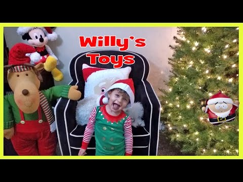 kid-decorating-a-christmas-tree---playstation-vr-star-wars-south-park-ornaments-willys-toys