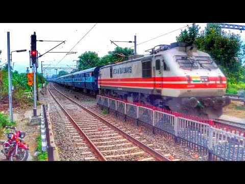 India's First Aerodynamic WAP5 1st Time Visit ER With Purvanchal EXPRESS / Indian Railways