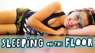 Sleeping On The Floor? || Back Pain? || Minimalist Lifestyle || Pros & Cons